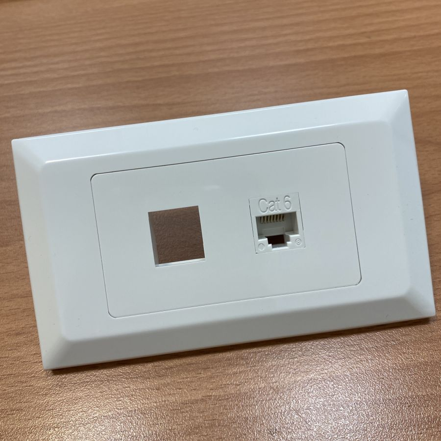 Screwless Decostar / Stylus Flush Wallplate